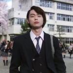 グラブルCMの俳優は誰?高校制服のブレザーで歩く男の子は菅田将暉?